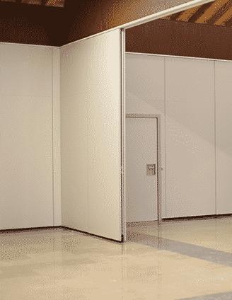 Tabique movil en centro de formación - Vimetra.com