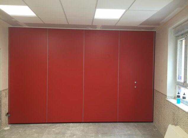 Tabique móvil rojo cerrado - Vimetra.com