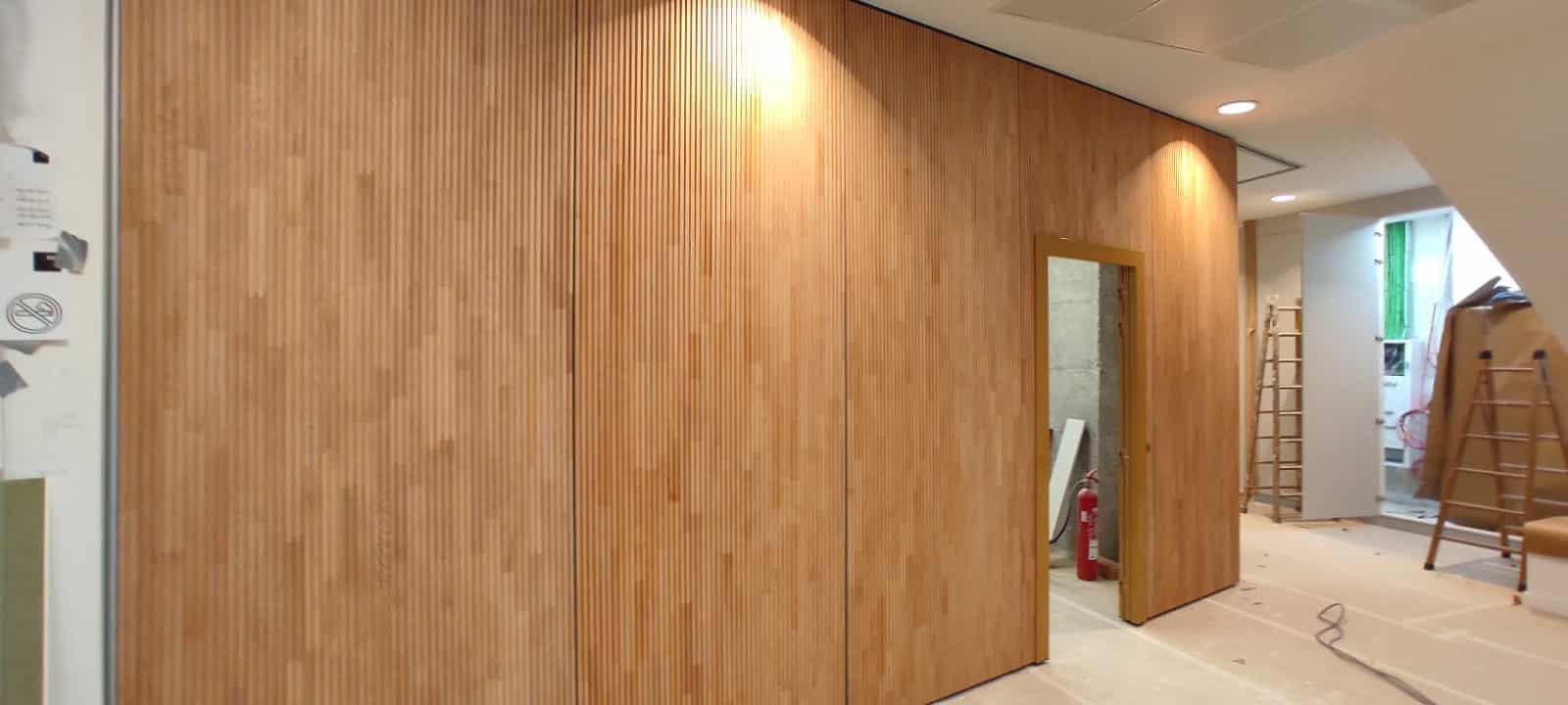 Tabique móvil de madera en oficina - Vimetra.com